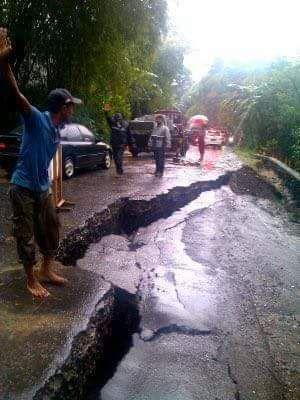 #InfoMudik : Jalur Selatan Jawa Tengah Via Ajibarang - Wangon Nyaris Terputus Karena Longsor - LAPAK MOBIL DAN MOTOR BEKAS