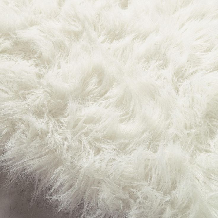 Tapis en fausse fourrure blanche 140 x 200 cm OUMKA