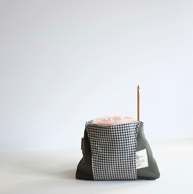 Jésabelle B tagged us on Instagram : Small Kaki bag with checkered interior. Could be called a mini ✨  A cake, a hook and your done! Light on the arm... Perfect size to shove in your purse or in the glove compartment, just in case... . Also available in medium and large. . . #kakibag #knittingbag #sacdetricot #pochettedetricot #tricottogo #ideecadeautricot #ideecadeaunoel #tricotsurlepouce #ursoyarnco #knittingonthego #knittingonthegobag #sacvert #sackaki #sacdelaine #yarnbowl #yarnbasket…