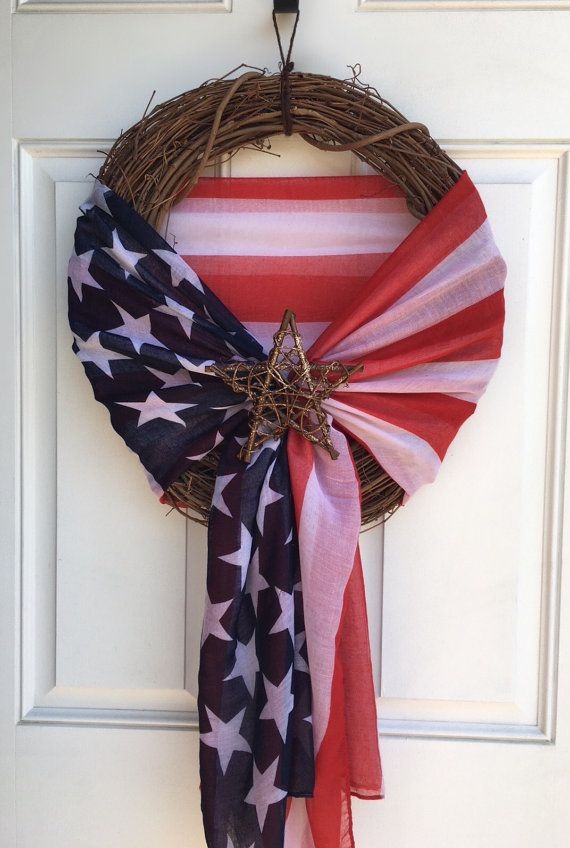 Traditional colored american flag scarf wreath wit…