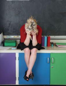 A silenciosa doença do professor: burnout, ou mal estar docente* (Maurina Passos Goulart)