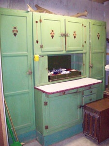 Fabulous old kitchen cupboard. An idea of what I'm going for, with deeper bottom, a work counter, and open space. Maybe even have the counter hinged so it can close upward like a cupboard door. Hmmmm....