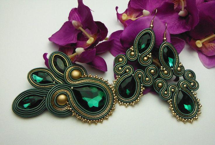 Stoff Schmucksets - Soutache Brosche Ohrringe grün, Smaragd, Gold - ein Designerstück von Soutacheria bei DaWanda