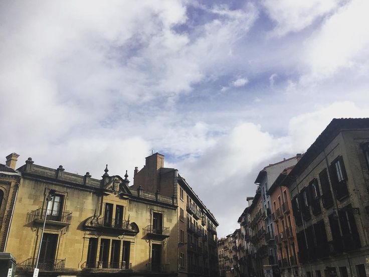 Sunday // domingo. . . . . . #skyporn #sky #city #ciudad #edificios #nubes #cloud #cloudporn #clouds #love #amazing #ilovethiscity #sunday #domingo #sundayfunday #sundayvibes #walk #caminar #takeawalk #pamplona #navarra #navarre #europe #instagram #instagramers #instacool #instagood