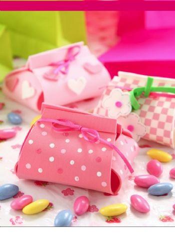 Cajitas souvenirs Compra el patron con las instrucciones en www.eviadigital.com y regalale este lindo proyecto a la personita que mas queres♥
