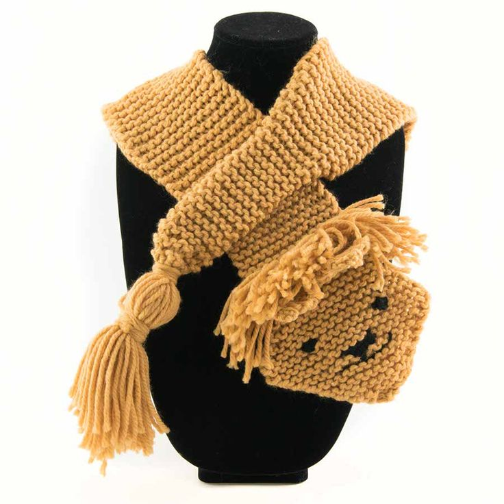 Larry Lion Snood/Cowl/Infinity Scarf. 100% Acrylic Length 50cm / Width 11 cm (excluding tail)