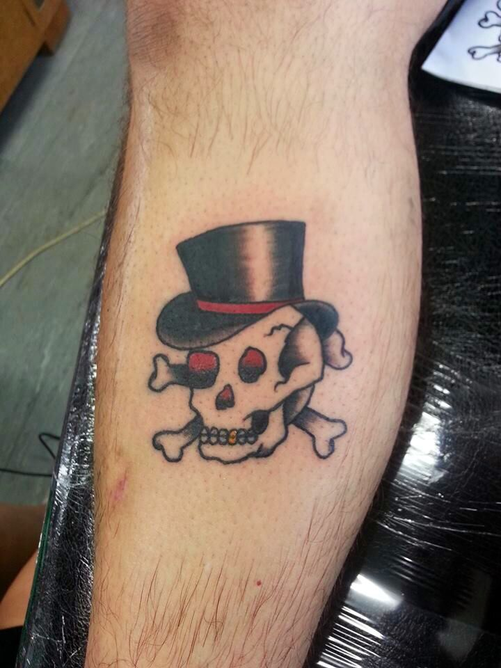 2nd tattoo completed on my fiancé today. Traditional skull :)