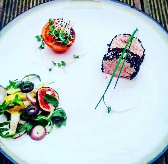 Paszet-smarowidło+z+bażanta+z+czarnuszką+i+grilowanym+pomidorkiem