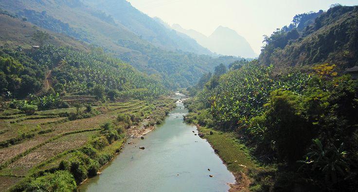 Da River (Black river) in Son La province. #vietnam #sonla #blackriver #travel