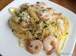 Espaguete com camarão simples