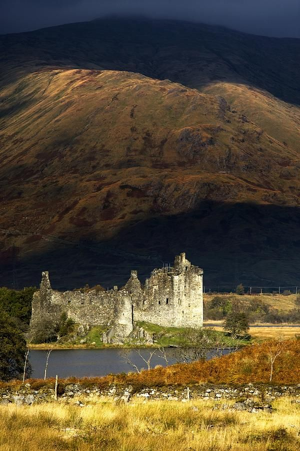 ✯ Kilchurn Castle, Scotland.I want to go see this place one day. Please check out my website Thanks.  www.photopix.co.nz
