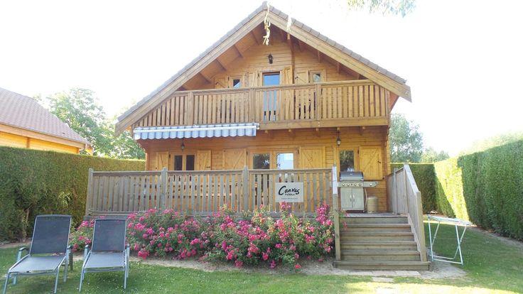 Deluxe Lodge Lakeside (4 bed) Camping La Croix du Vieux Pont