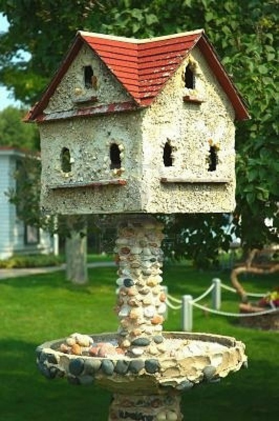 Stone Bird House This Is Not Pretty But I Have That Rusty