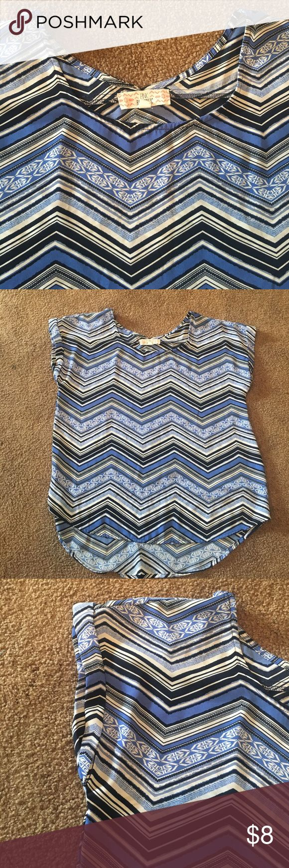 Blue and white chevron top Cute semi hi-lo blue and white chevron top Pink Republic Tops Blouses