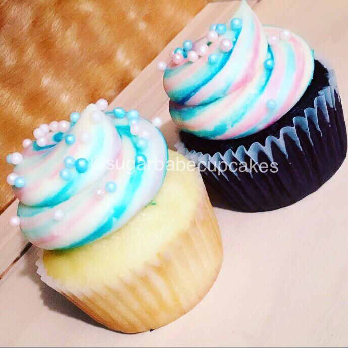 Baby Shower Cupcake Flavor Ideas : 25+ best ideas about Gender Reveal Cupcakes on Pinterest ...