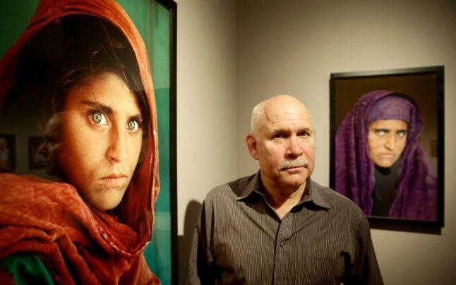 """Celebra """"fată afgană cu ochi verzi"""" de pe coperta National Geographic din 1985 va fi expulzată din Pakistan"""