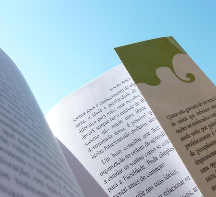 Exemplo de um livro com badanas.