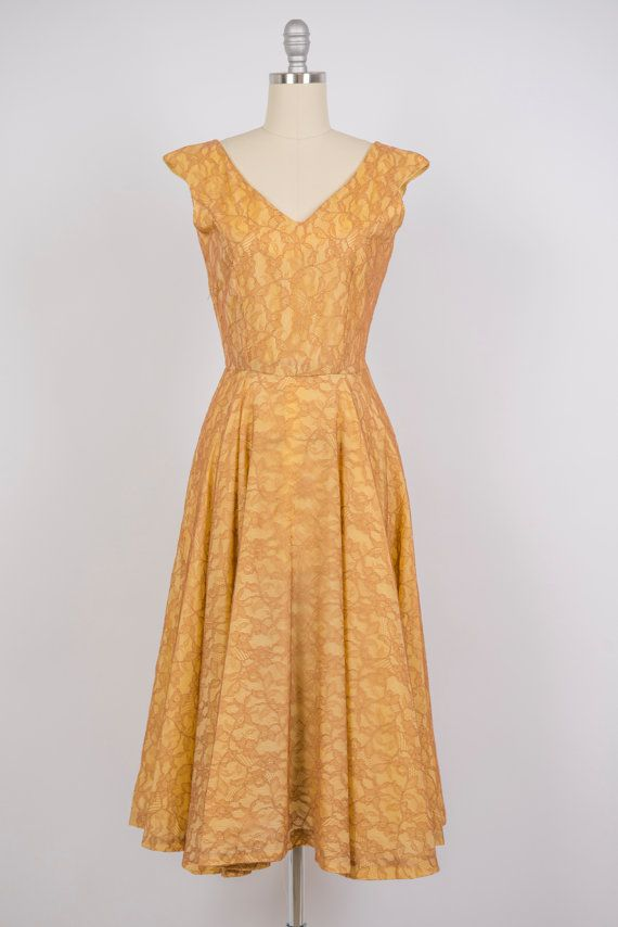 Vintage 1950s dress // 50s gold lace dress by Duchessevintage