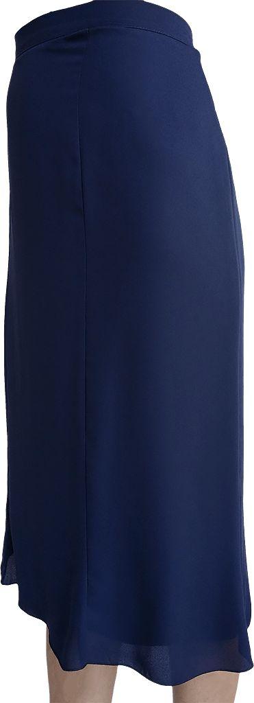Falda de gasa haciendo nesgas, largo clásico por debajo de la rodilla, color azul marino. Tallas desde la 48 hasta la 52.