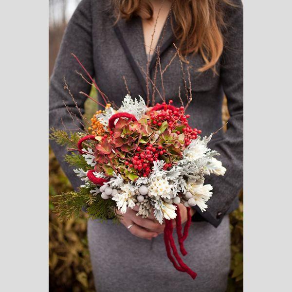 Bouquets de noiva de Natal. #casamento #bouquet #noiva #Natal #inverno #vermelho #verde #branco #azevinho