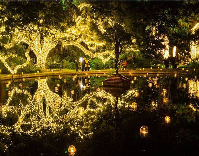Brookgreen Gardens Nights of A Thousand Candles | Murrells Inlet | South Carolina | Click on the pin for other things to do in the Myrtle Beach area this Holiday Season | Photo via Instagram by @verosangue