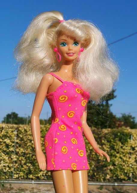 1994 Barbie Ruffle Fun / Riviera. I could get thi doll 15 years later. but now it´s mine.