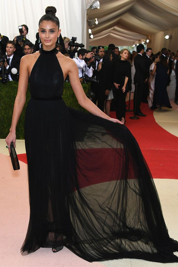 2016 Met Gala - Taylor Hill in Topshop - HarpersBAZAAR.co.uk