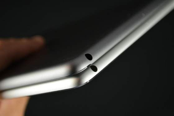 High resolution images of the newest iPad version (iPad 5) in silver and space grey posted by Sonny Dickson - 3