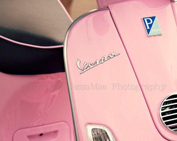 Pink Vespa Photography  Bubblegum Pink Vespa  par JessaMaePhoto, $25,00