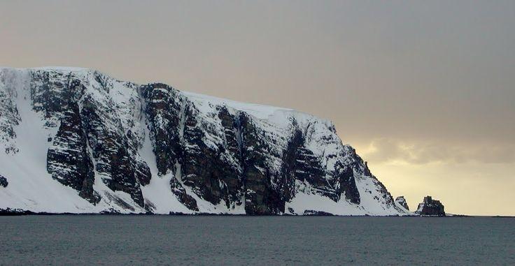 Finnkjerka ved Kjøllefjord ( 2001 )