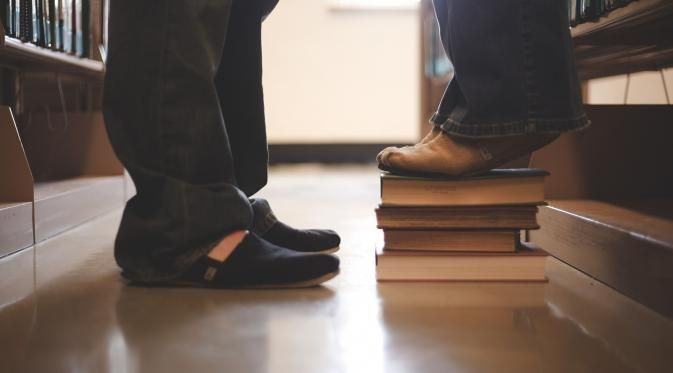 Pacaran Sama Kutu Buku, Ternyata Asyik Juga! - http://wp.me/p70qx9-5CW