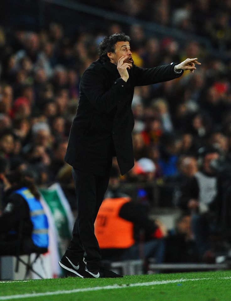 Luis Enrique manager of Barcelona gives instructions during the La Liga match between FC Barcelona and Real Madrid CF at Camp Nou on March 22, 2015 in Barcelona, Catalonia.