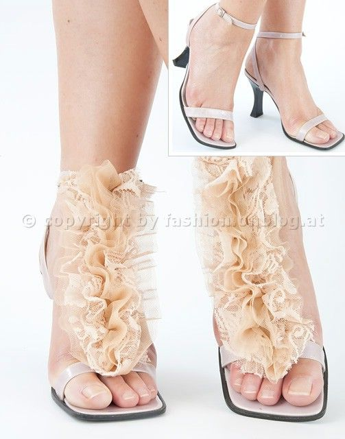 DIY: Removable Shoe Decoration for Strappy Sandals