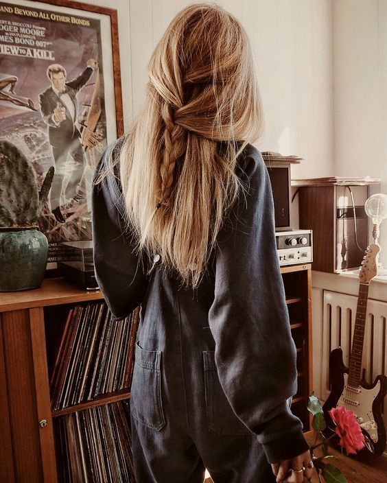 Une robe qui impressionne tous les garçons – Net Miladies – Une robe qui …   – Cheveux Crépus