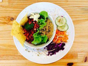 Brunch sans gluten chez Lula le week end ! Oeufs brouillés, quinoa, légumes, pain Chambelland, jus bio,... Une adresse qui va ravir les gluten free L'adresse est à retrouver sur @becausegus #sansgluten #glutenfree #brunch #lula restaurant #paris