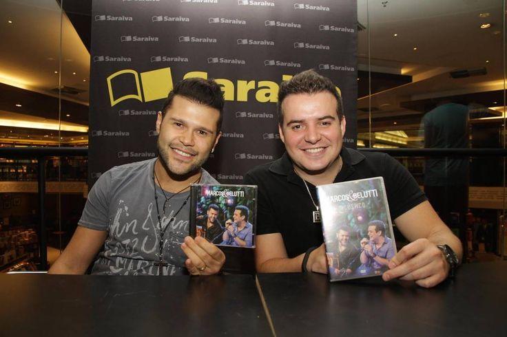 Marcos e Belutti lançam CD e DVD em noite de autógrafos - Fotos - R7 Música