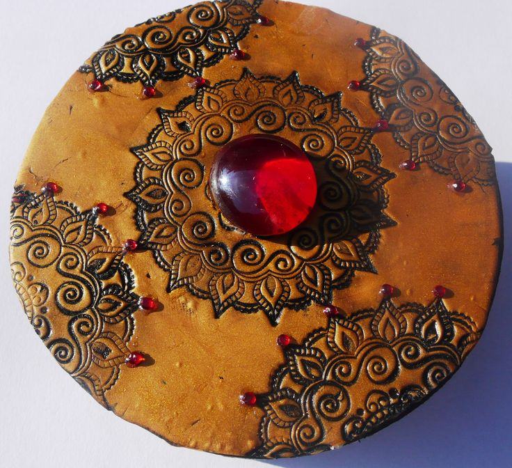Wooden box decorated with  polyer clay - oriental style, mandala