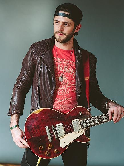 Watch Thomas Rhett Bust a Move in New Music Video! http://www.people.com/article/thomas-rhett-make-me-wanna-video-premiere