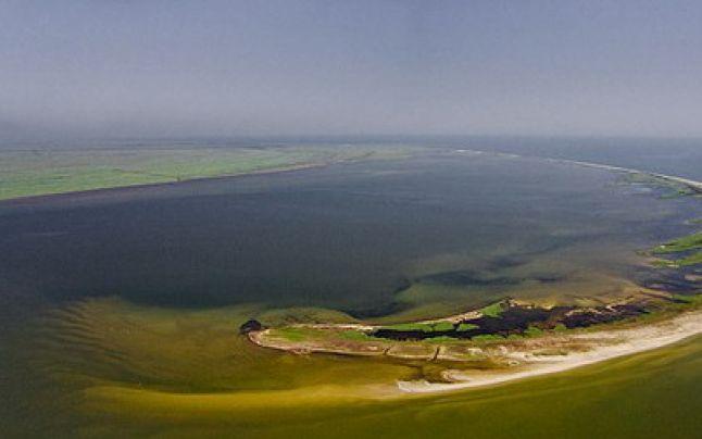 Insula Sacalin este cel mai nou pământ românesc, de o frumusețe rară. S-a născut din inima Mării Negre, iar oamenii nu au voie să calce aici.