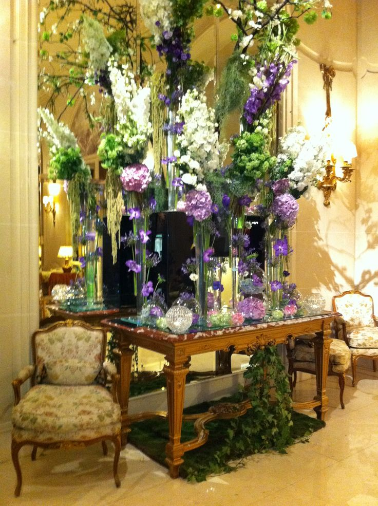 Ritz Carlton Lobby, Paris...they have some of the most beautiful florals I have ever seen....
