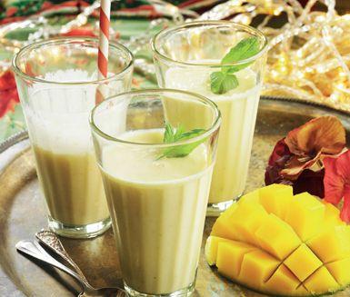 En svalkande drink som passar som efterrätt till starkt kryddad mat, eller varför inte som ett uppfriskande mellanmål!