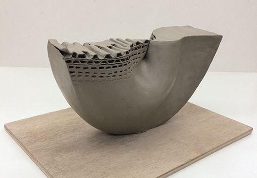 工芸科 立体構成「ダンボールから要素を抽出した立体構成」
