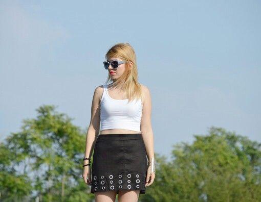 #vasilikicomgr #vasiliki #stradivarius #skirt #fashionbloggers