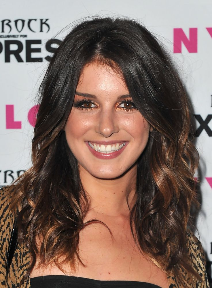 Shenae Grimes Medium Curls - Shoulder Length Hairstyles Lookbook - StyleBistro