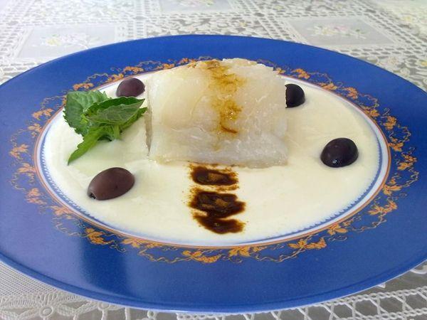 Baccalà appena scottato su specchio di yogurt greco e polvere di liquirizia, ricetta inserita da Bruno Carotenuto