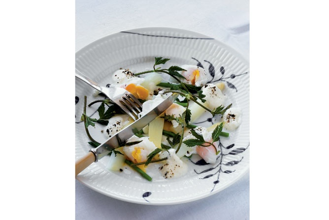 WHITE ASPARAGUS AND WILD GREEN WITH ASPARAGUS POACHED QUAIL EGGS HOPS SHOTS AND ACID CREAM