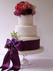 Vintage Parrot Tulip Wedding Cake