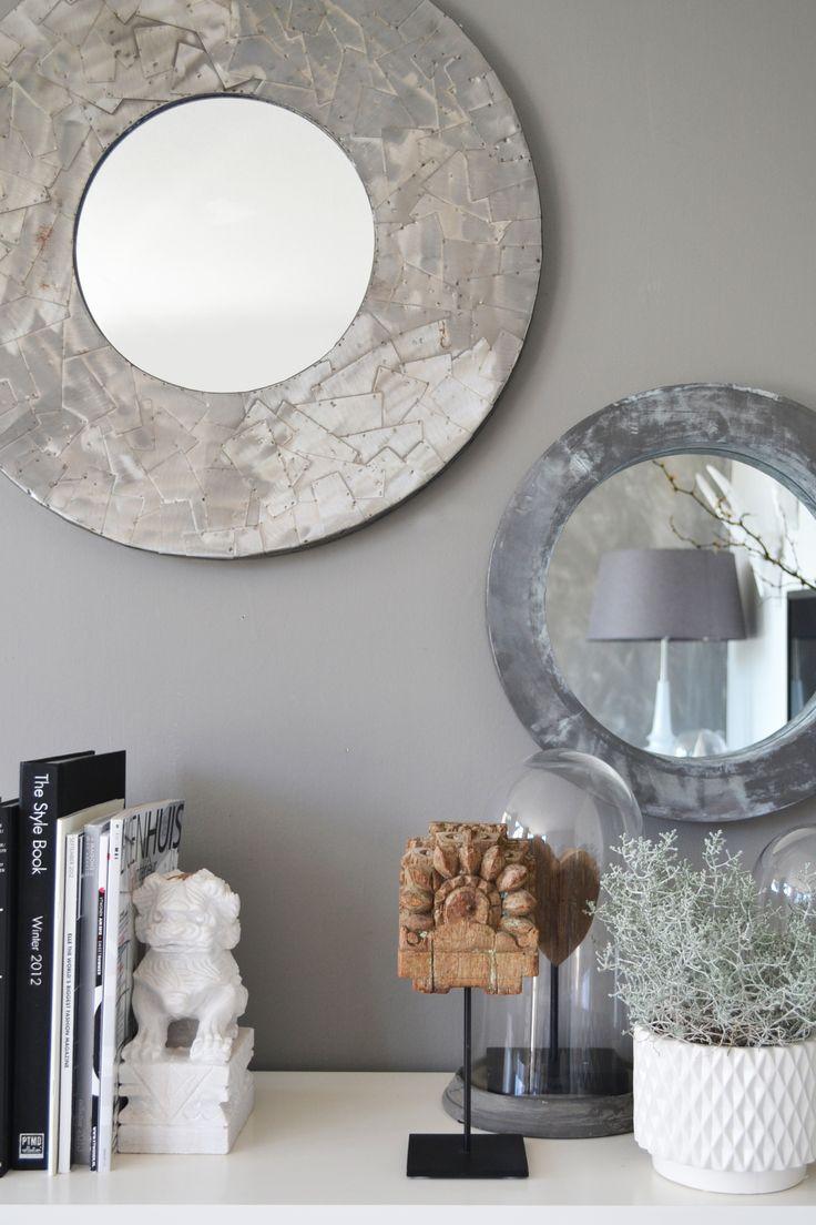 metal plated mirror, metalen spiegel lood spiegel grijstinten interieur detail, woonboeken wafelpot ptmd www.foreverhome.nl