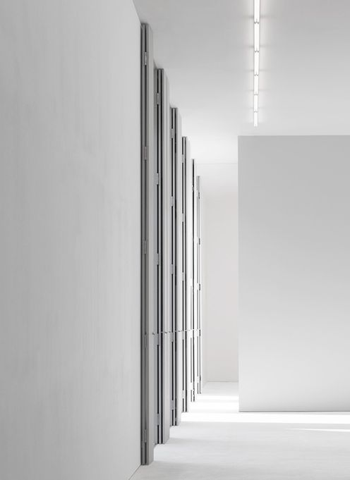 Empty room preview, building in Berlin by David Chipperfield (photo © Hiepler Brunier)
