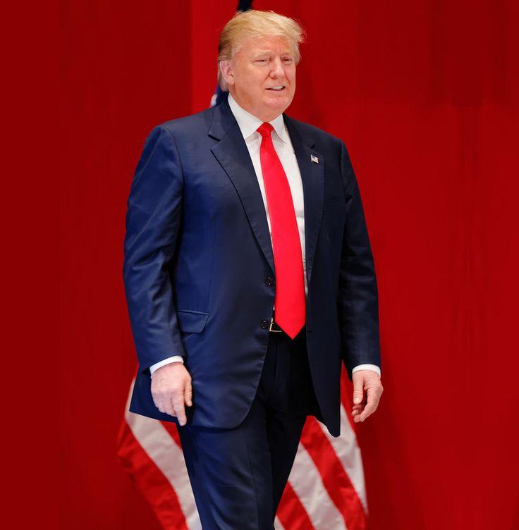 Resultado de imagem para donald trump suit